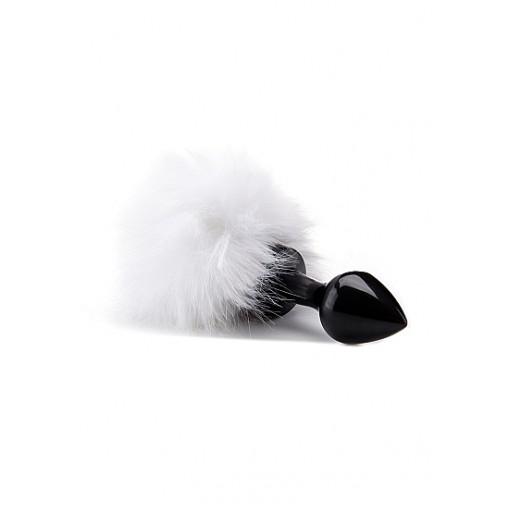 Ouch! Hvit kaninhale med sort buttplug